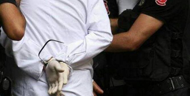 Police arrest volunteer doctors near Taksim Square, Istanbul