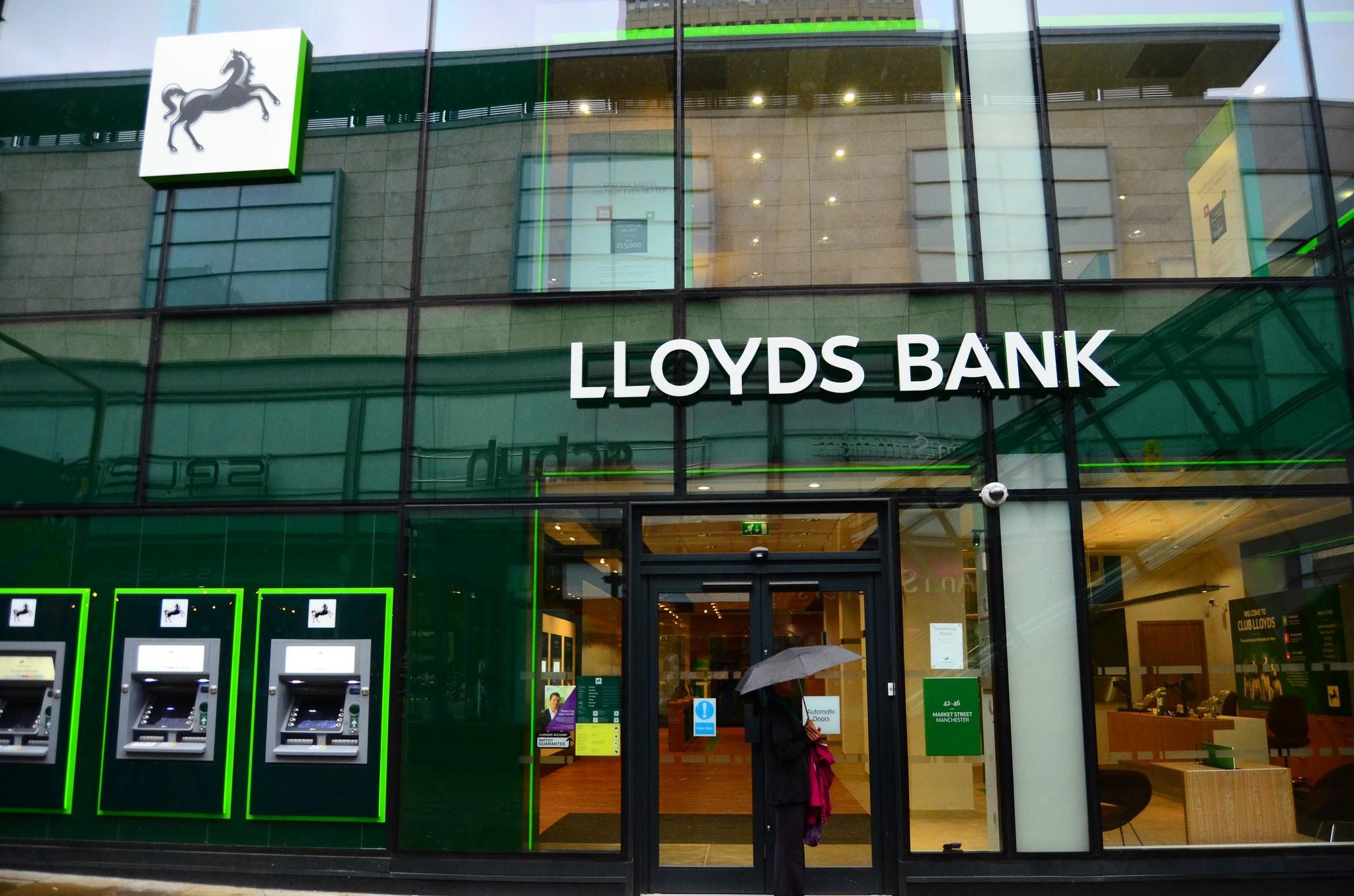 Lloyds Bank confirms branch closures and 9,000 job losses | Descrier ...